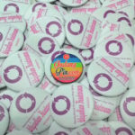 Bikin Pin Murah – Pin Peniti 5,8cm 100pcs International Women Day's 2016 di Yogyakarta