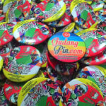 Bikin Pin Murah – Pin Peniti 4,4cm 3000pcs Pemilu Boven Digoel di Yogyakarta
